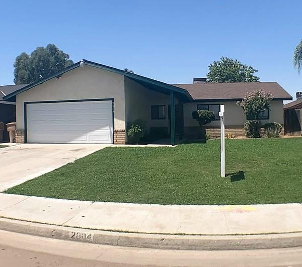 2004 Springfield  Ave, 220006396, Bakersfield, Townhome / Attached,  for sale, Maria Zendejas, Realty World Golden Era